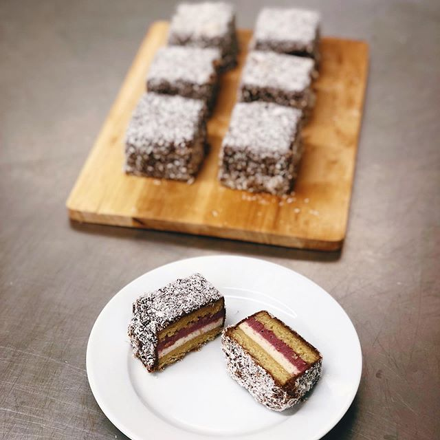 After baking full time for a year and a half now it can be hard to come up with new things but this is easily my favourite thing I've ever made. Raw/V/rsf/gf lamingtons and I'm obsessed 🤤 Almond meal raw sponge with a vanilla cashew cream, berry jam coated in raw ganache and coconut. I.AM.DONE