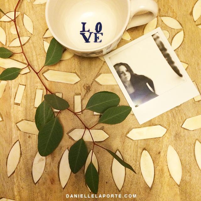 leave-love-mug