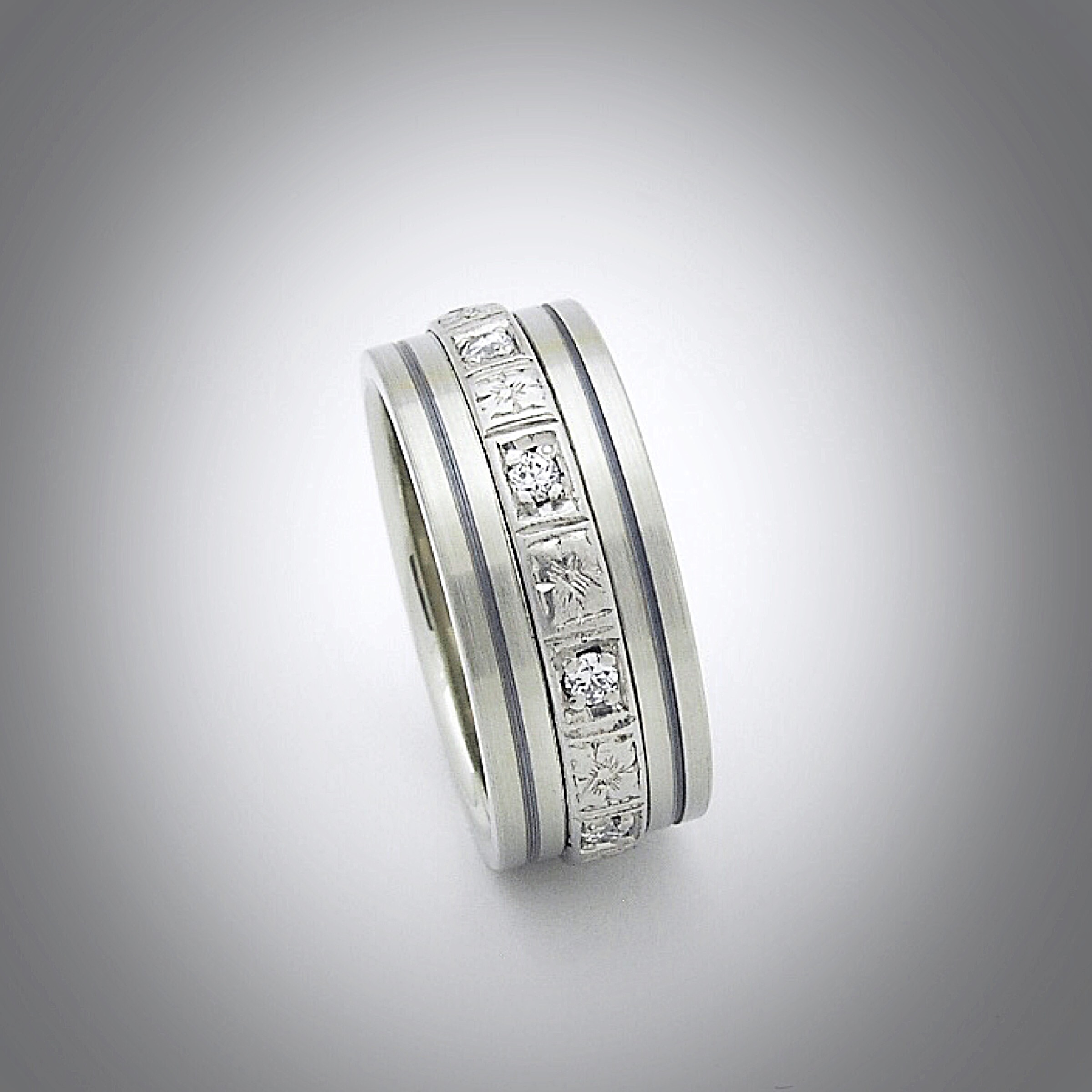 Platinum+White Gold+Sterling silver.JPG