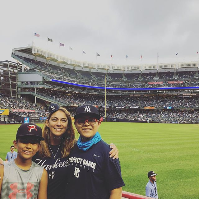 Ready for Game #2 💙⚾️💙 @yankees @yankeestadium #myhatiscute #peanutsnballparks #beisbol #baseballislife #throwithere @official_team_toppers