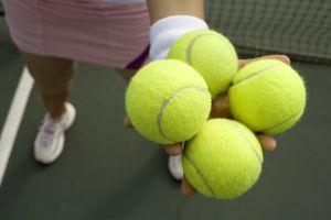 4tennsballs-in-hand_300px.jpg