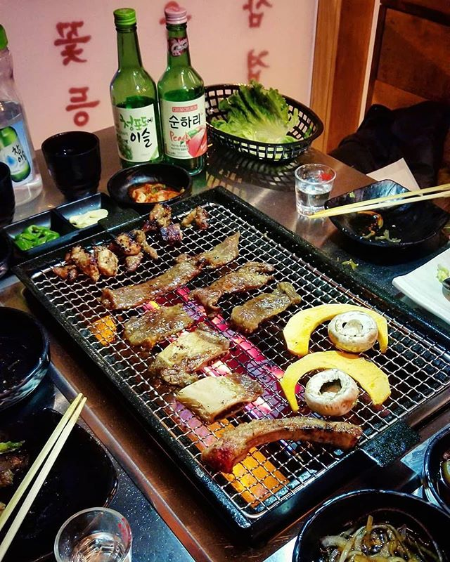 Soju is no doubt the best drinks with Korean BBQ🥂! Tag and invite your KBBQ buddies here, you'll not be disappointed😏. Thank you @hungrysheepie for the feature!