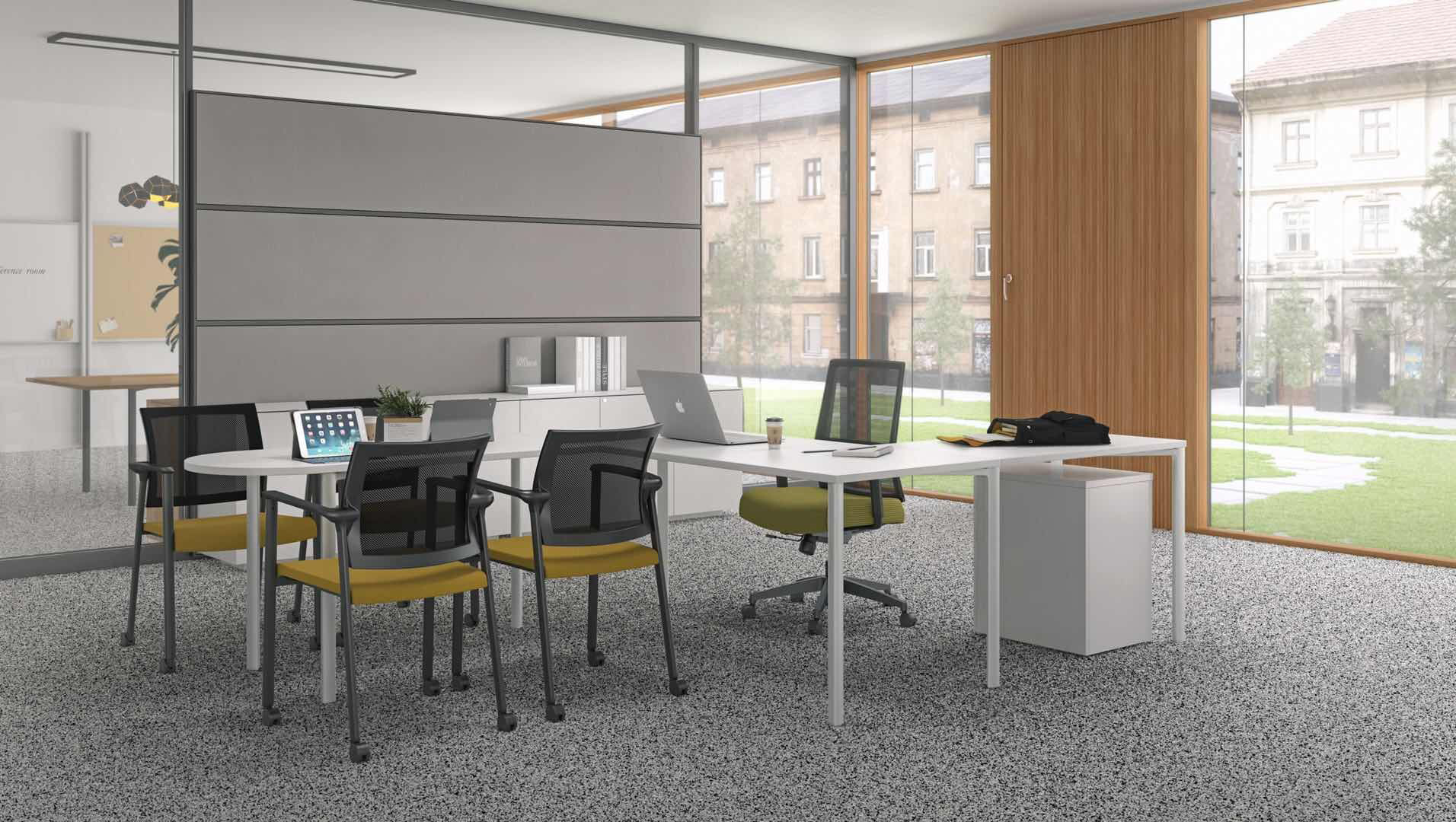 Smarti St with Smarti MP in management office with collaboration space.jpg