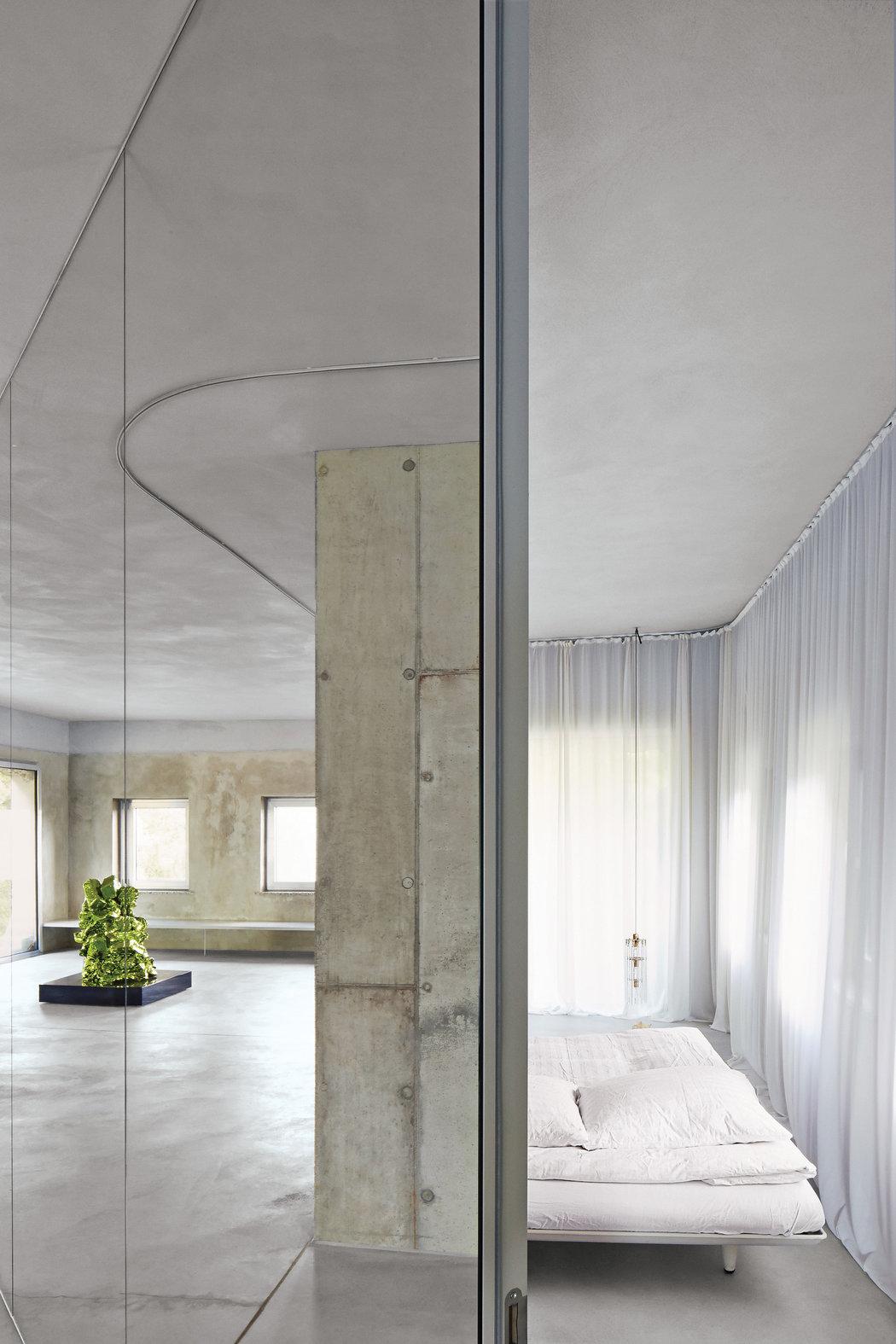 brutalist-architecture-slide-0ZPU-master1050.jpg