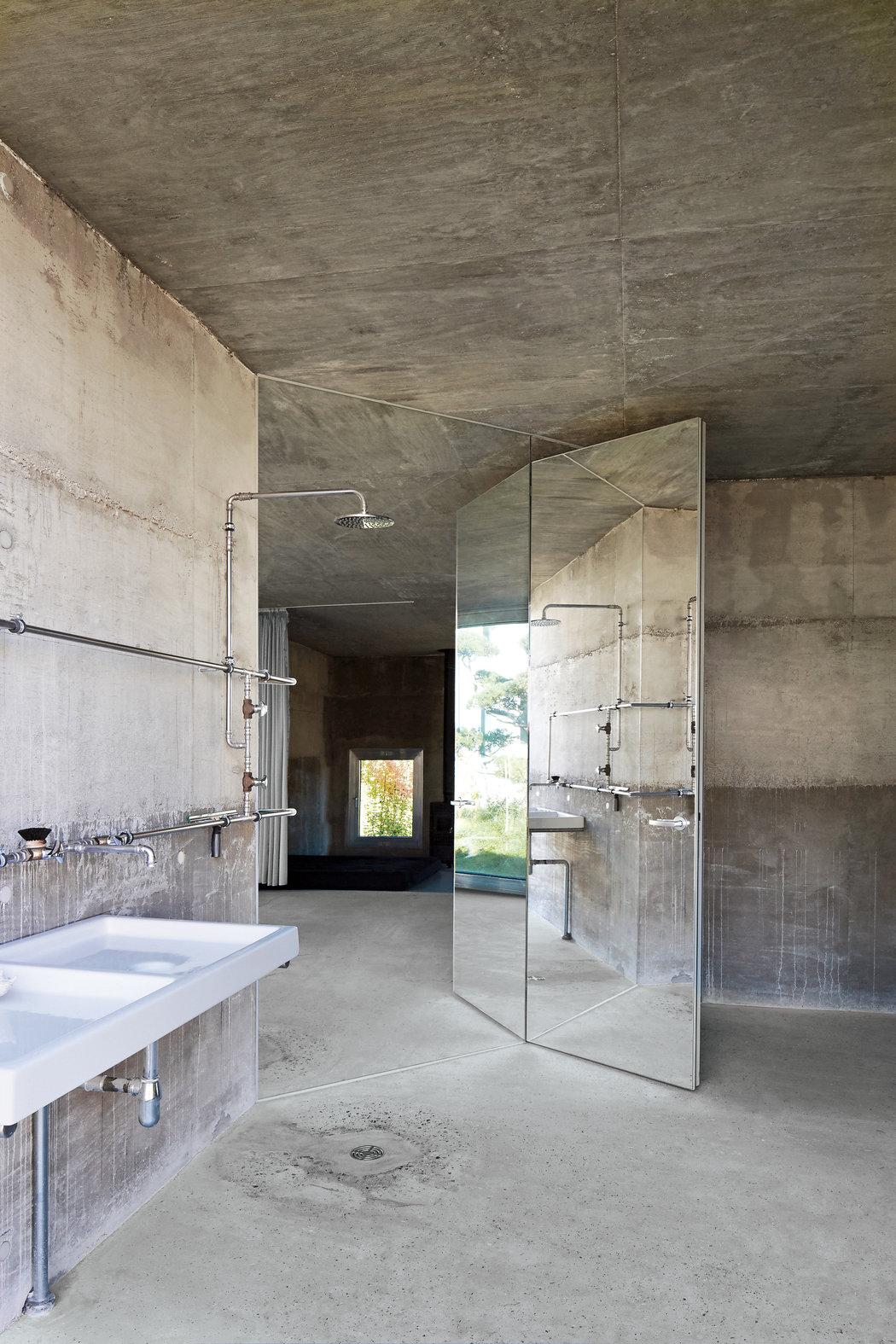 brutalist-architecture-slide-ZZ6I-master1050.jpg