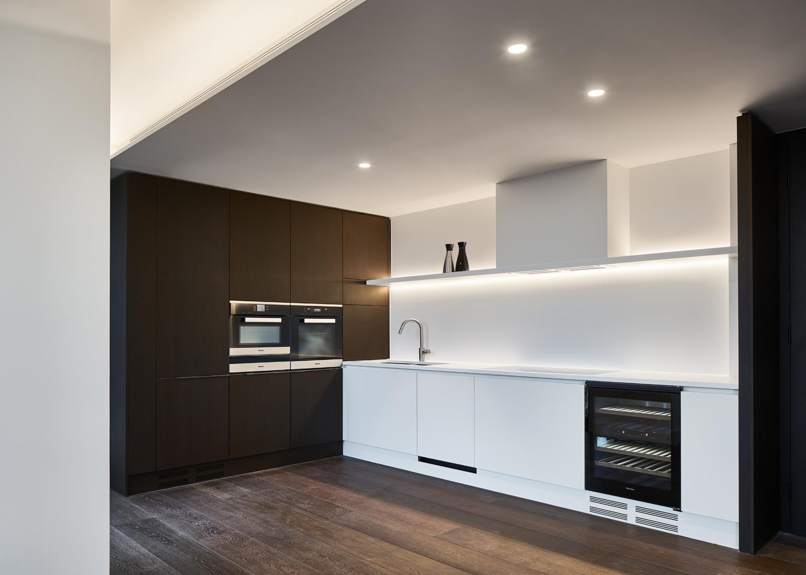 Corian kitchen 2.jpg