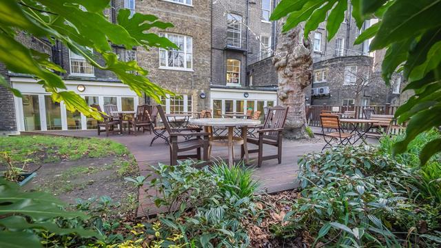 london-school-of-economics-passfield-hall-garden-5200ad18b1116082c4f4796301157f88.jpg