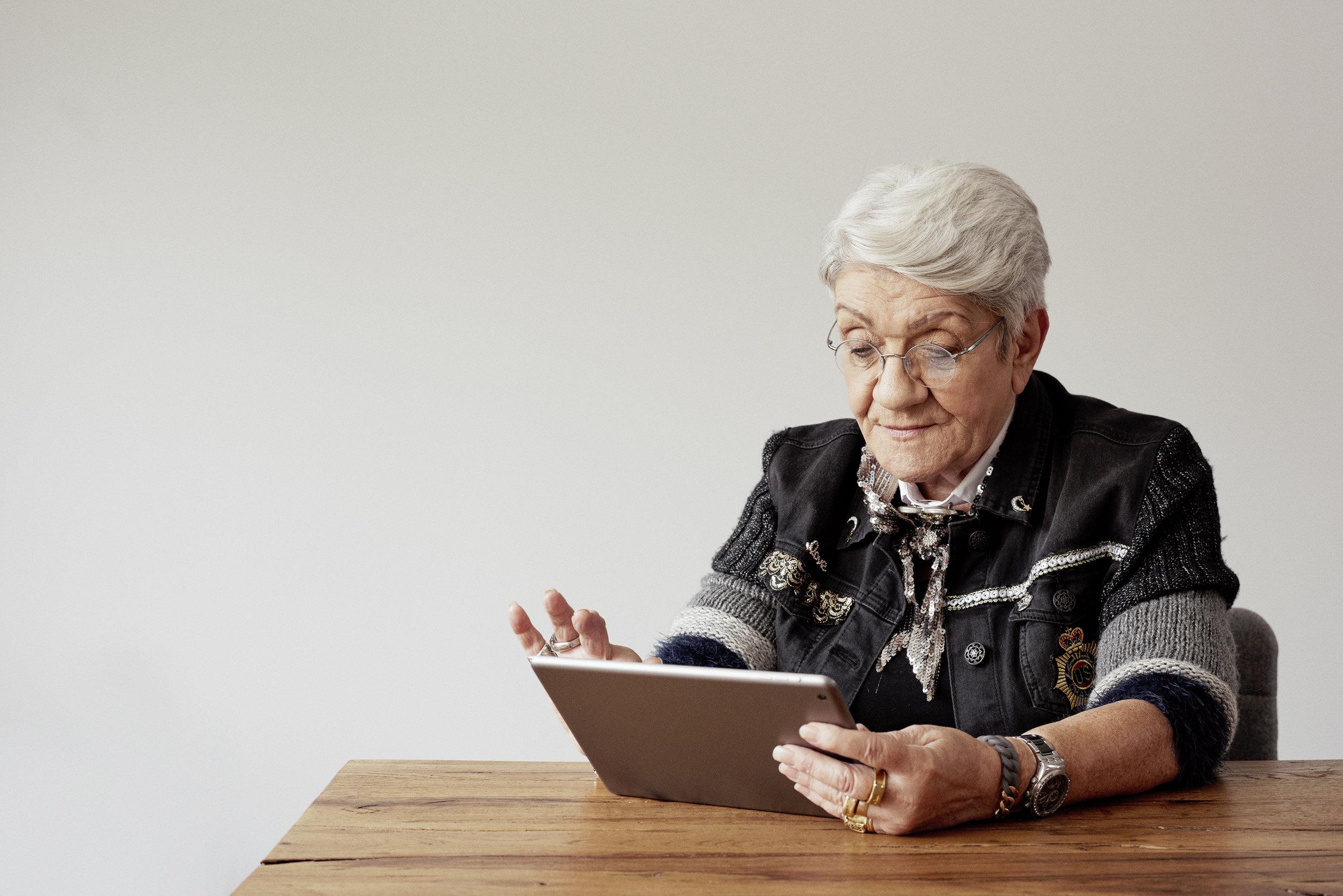 « Cher Resoli, la facilité à t'employer fait de toi, en quelques clics, une mine d'informations sur toutes les activités proposées aux communautés de Seniors ! » - Françoise de Chalvron,Membre du Kaléidoscope de Pully-Sud