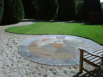 Curves and round paving makes for an eye catching design