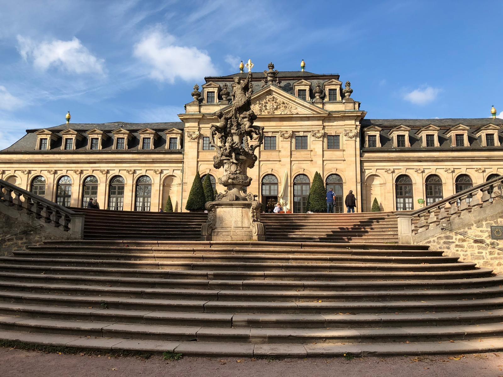 Goldener Herbst in Fulda - Stadtschloss und Orangerie