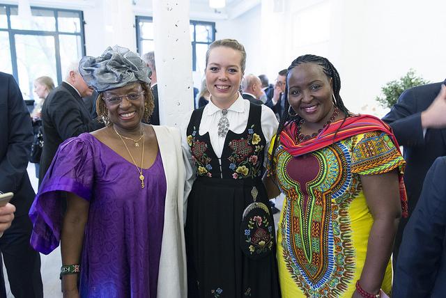 2016 Honouree, Dr Jennifer Nkuene Riria, with Business for Peace's Ingrid Baukhol