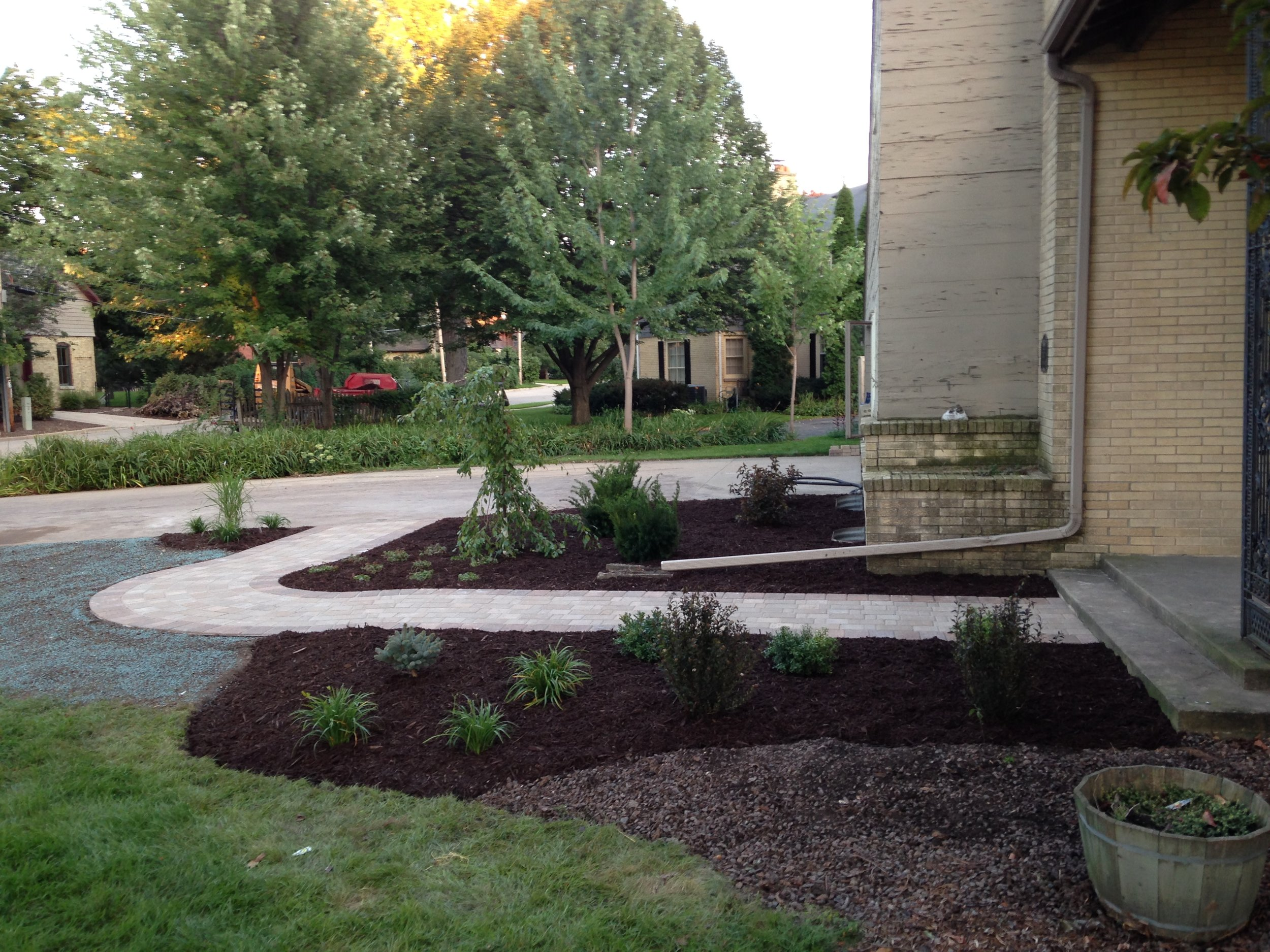 Landscape Services - Tree and Shrub InstallationPerennial Landscape BedsTree RemovalWater Gardens and Ponds (all sizes)Landscape Lighting