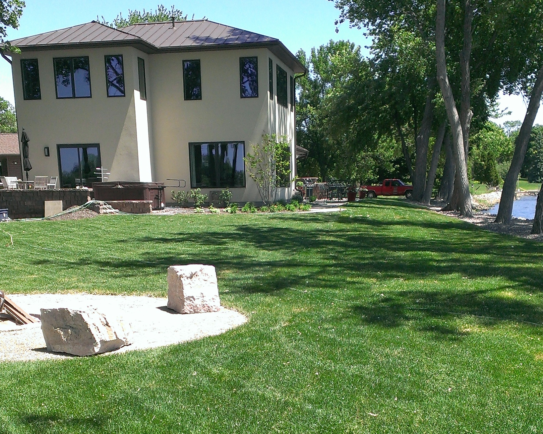 Lawn Installation - Rough and Finish GradingSeeded LawnsSod Installations
