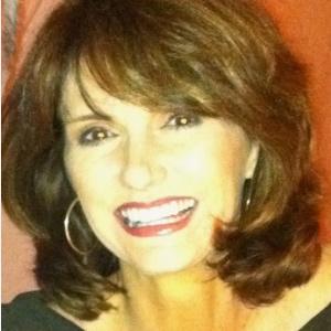 Lisa Noah  Qualifying Broker, Realtor  lisa.noah@evrealestate.com