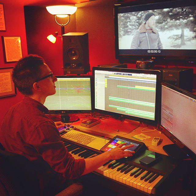 Scoring @beyondthewoodsfilm - a fantastic thriller feature film by @braydendpurdy - starring @steven5435 & @jeffevanstodd 🌲 🎬🎹 . . . #filmcomposer #filmscoring #musicforfilm #musicstudio #studiosetup #soundtrack #score #thriller #featurefilm #composer #bts #grind #music #musicismylife #composingmusic #musicman #musictime #musicblog #soundcloud #hustle #musicislife #screens #logicprox #kontakt #macpro #instamusic #composer #composerlife #ipad #akai