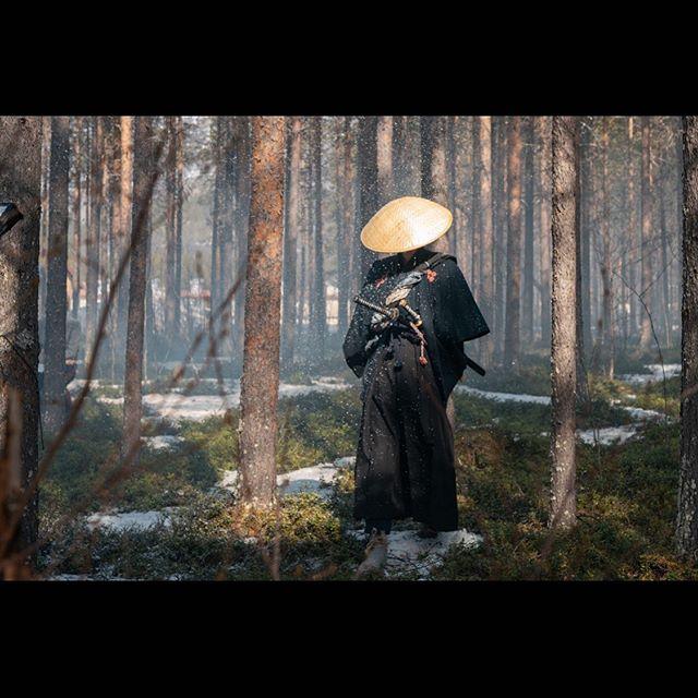 Our Samurai needs a little bit of sunshine in his life 😉☀️ We hope you can enjoy a very relaxing Sunday! . . . #animositet #animositetmovie #movie #movies #moviescenes #moviescene #movielover #film #films #filme #filmmaking #filmphotography #filmisnotdead #dop #filmmaker #samurai #samuraispirit #oslo #norway #summer #sunday #sundayfunday #sundayvibes #weekend #weekendvibes #henkeholm #henrikholm
