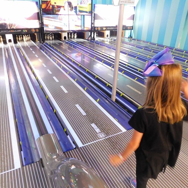 Keep your eye on the prize and aim for a strike! The FunHouse's mini bowling lanes are a blast for everyone. Right now with our Labor Day Weekend special, you can enjoy mini bowling and more with a Mega Pass and get a $5 Play Card FREE! . . . #Webster #Texas #PuttPutt  #FamilyFun #Summer #FunPark #FunHouse #OutdoorFun #IndoorFun #InstaTexas