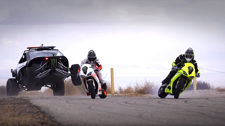 Screenshot_2019-03-28 Motorcycle vs Car Drift Battle 3 - [Full HD] - YouTube.jpg