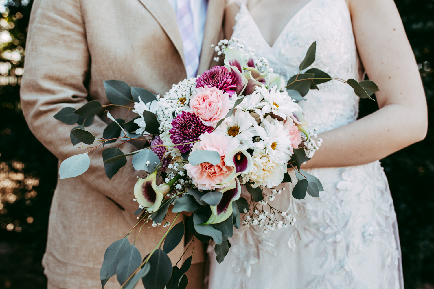 Close up photo of bridal bouquet from wedding at Will Rogers Park greenhouse in Oklahoma City, Oklahoma by Amanda Lynn Photography.