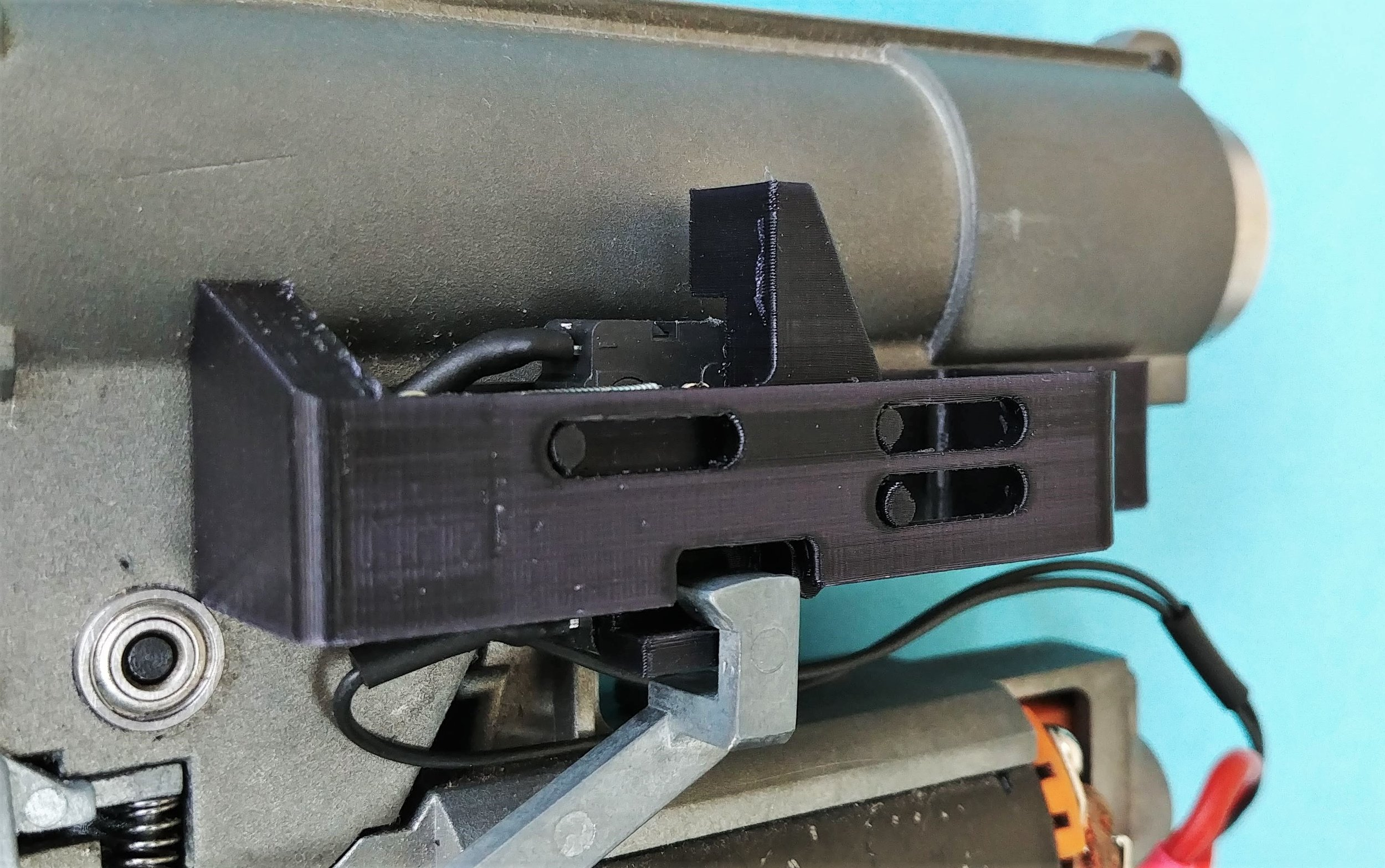 Cut off lever should align with face of trigger piece, not pull it down nor have a gap
