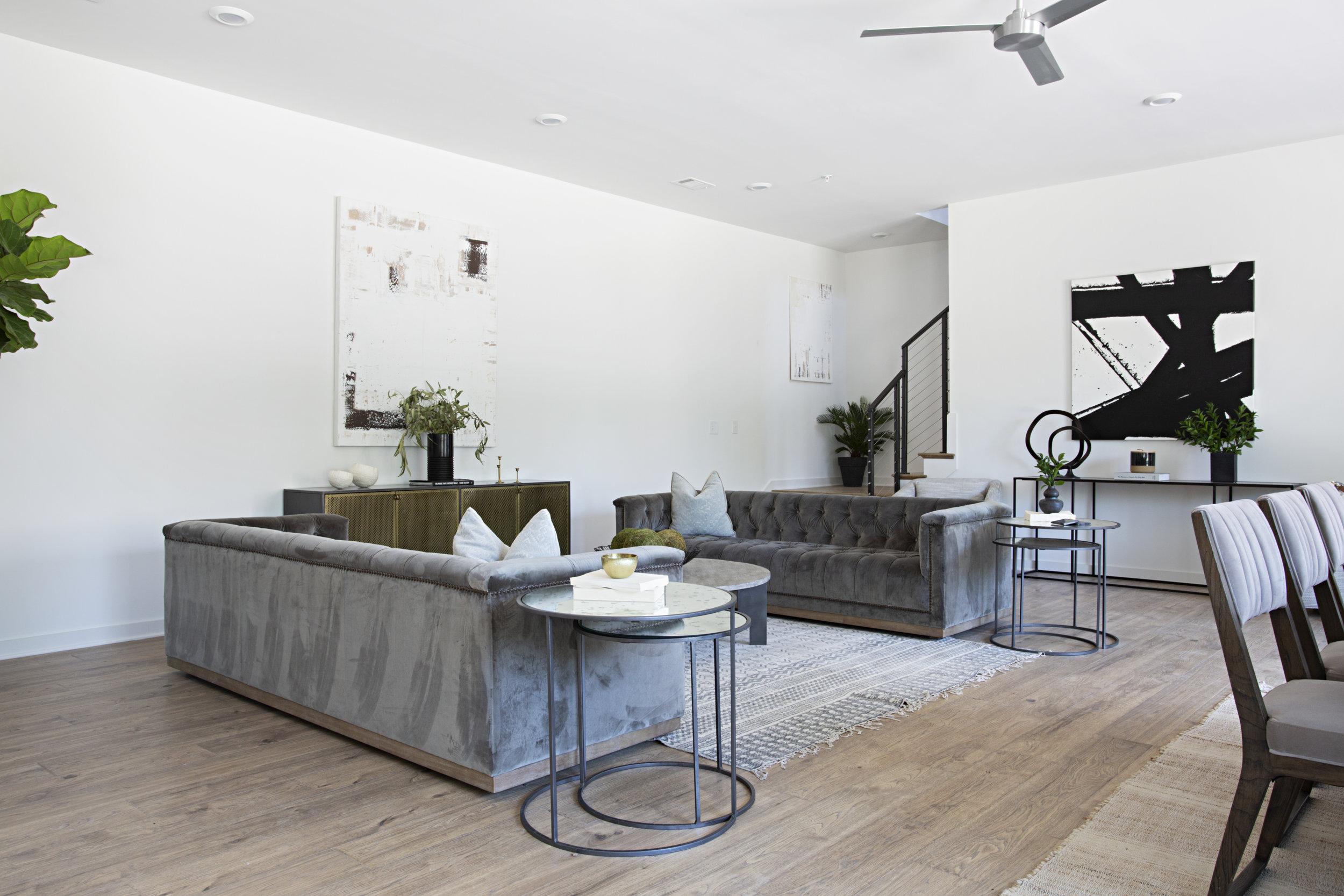 35-mayker-creative-interiors-1404-pillow.jpg