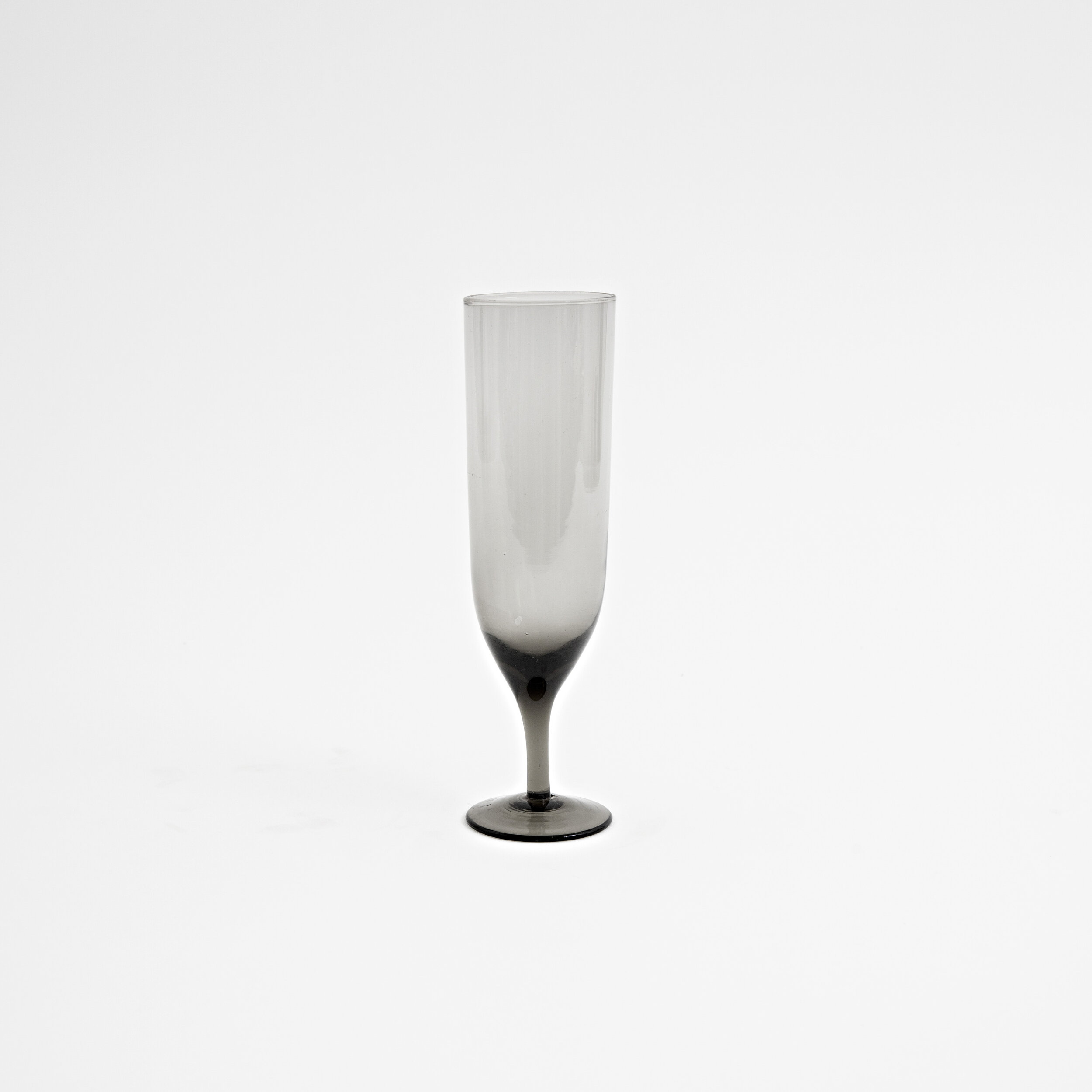 amwell-smoke-black-glass-champagne-flute-shop-mayker-nashville-home-gift-host-01.jpg
