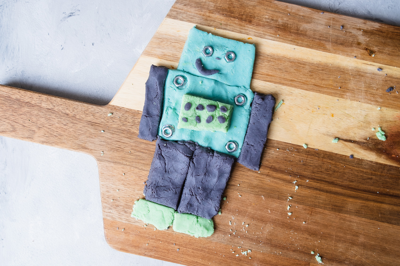 Robot_play-dough-5.jpg