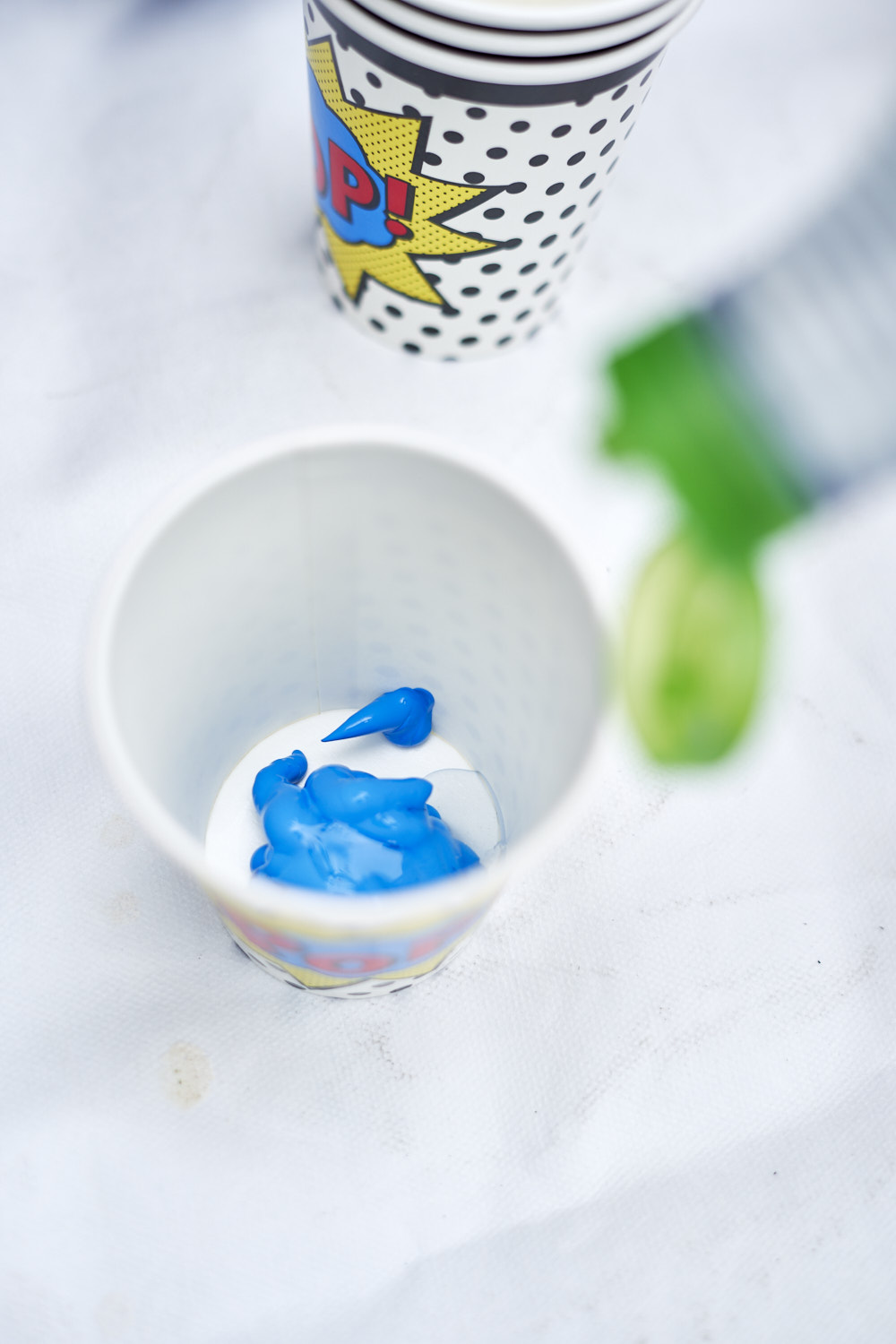 Acrylic_paint_pouring 2.jpg