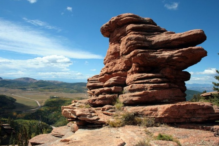 Pancake Rocks - Enjoy a popular four-season hike with unique rock formations, astonishing views and subalpine zone vegetation.