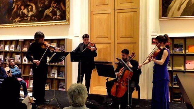 🥀SCHUBERT  Primera variación 🎻@pablosuarez.violin  #schubert #franzschubert #quartet #cuarteto #stringquartet #ensemblepraeteritum #museodelprado #clasica #biblioteca #casondelbuenretiro #musicadecamara #musicosespañoles #violin