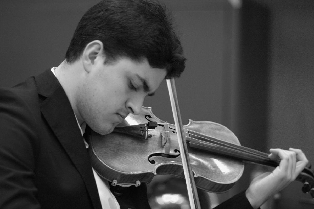 Abelardo Martín, violin