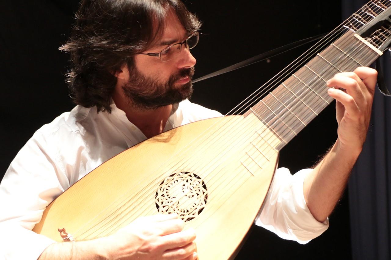 Ramiro Morales, tiorba