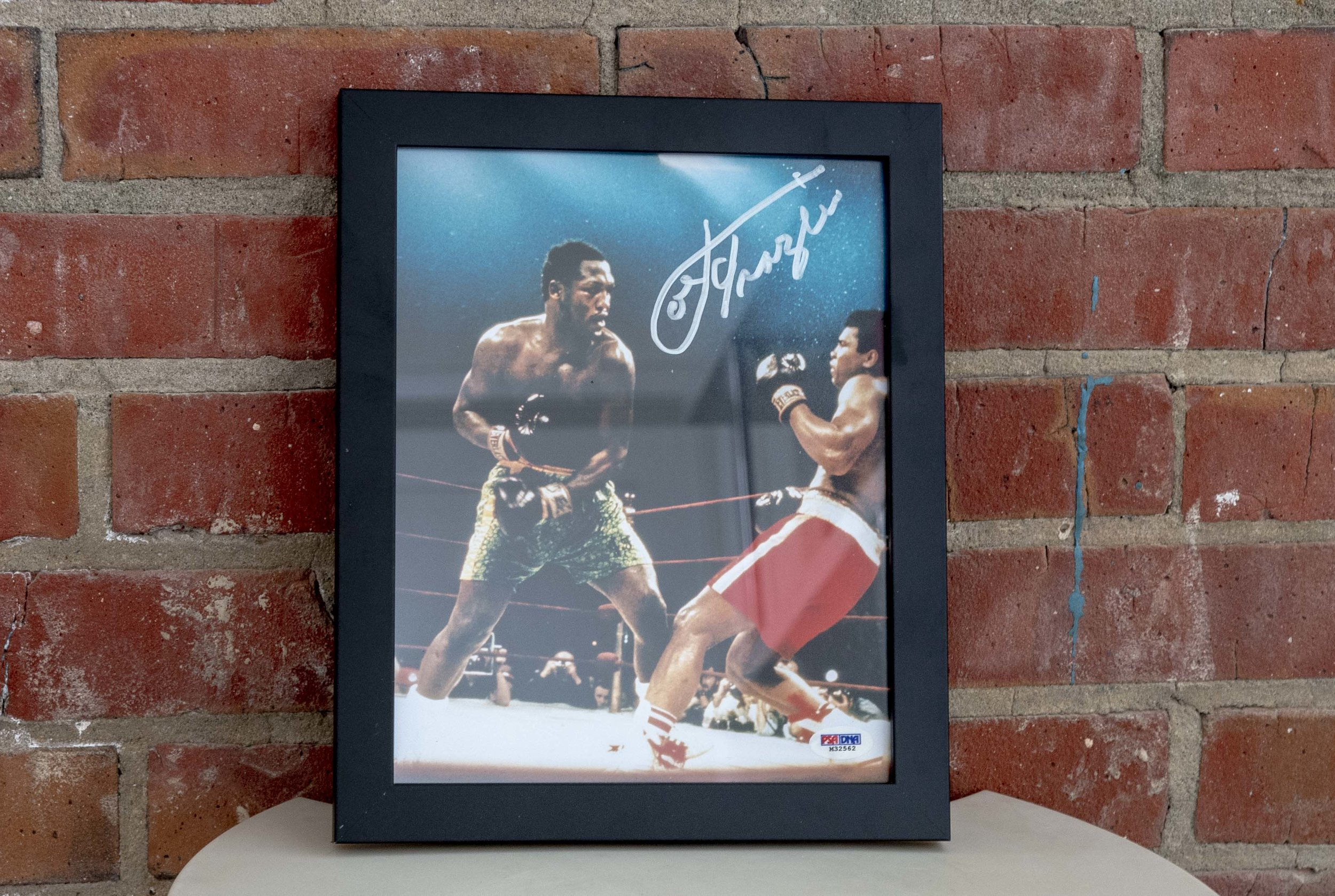 Joe Frazier Signed Picture - Fight With Muhammad Ali