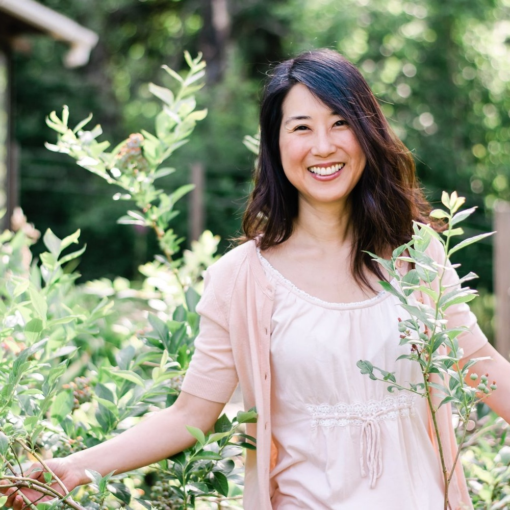 Speaking Engagements - Dr. Joyce Choe speaks on the topics of emotional health, Christian living, leaky gut, autoimmune disease, plant based health, and natural remedies.