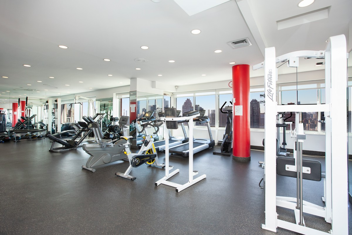 East_79th_Street_404_Gym_[01].jpg
