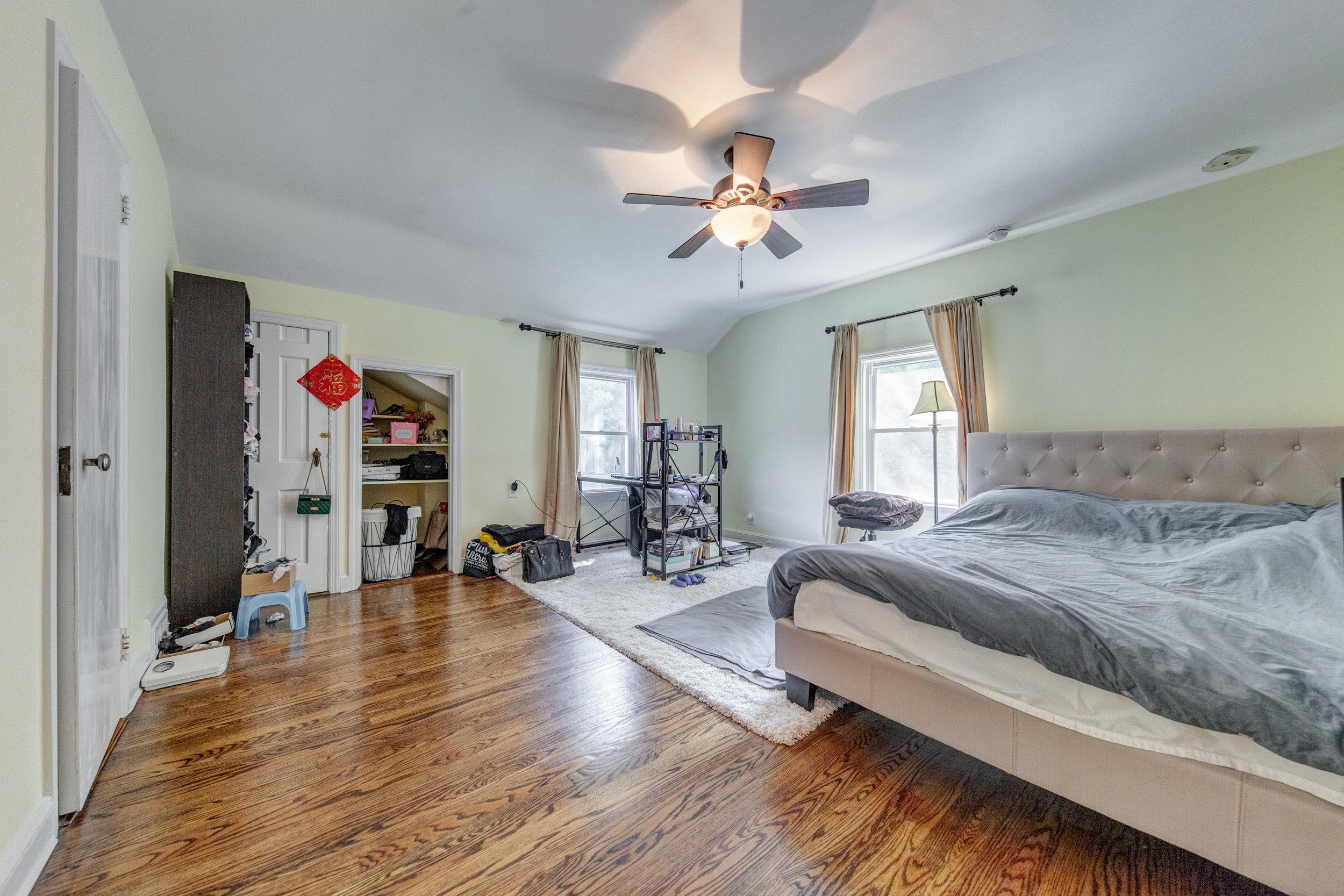11. bedroom.jpg