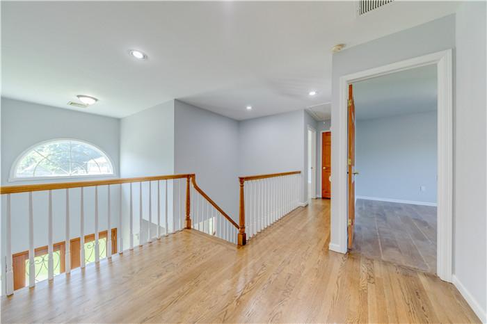 10.Stairs.jpg