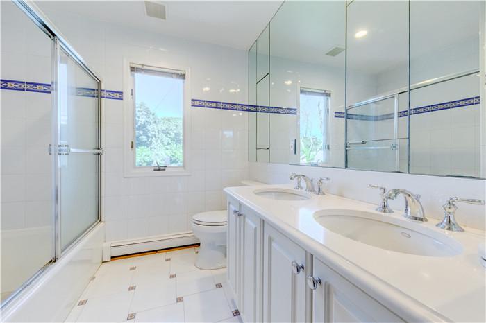 15.Bath2.jpg