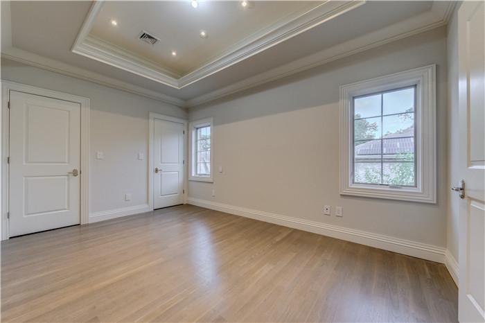 15- bedroom.jpg