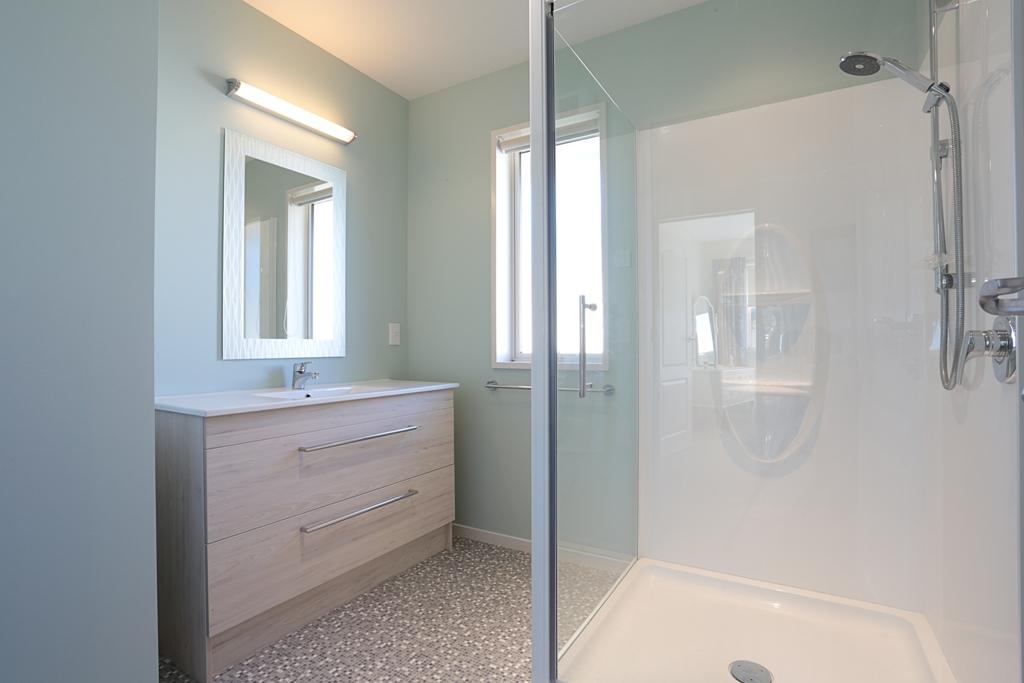 Waikiwi Bathroom.jpg