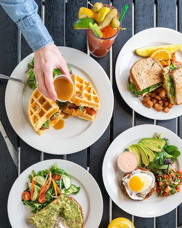 Happy Easter! Brunch starts at 10am at Kayak Midtown! . . . . . . . #eatkayak #kayakkafe #kayakbrunch #eatrealfood #healthyeating #healthyliving #savannahbrunch #brunchtime #veganoptions #vegetarianoptions #savannaheats #georgiaeats #whattodoinsavannah