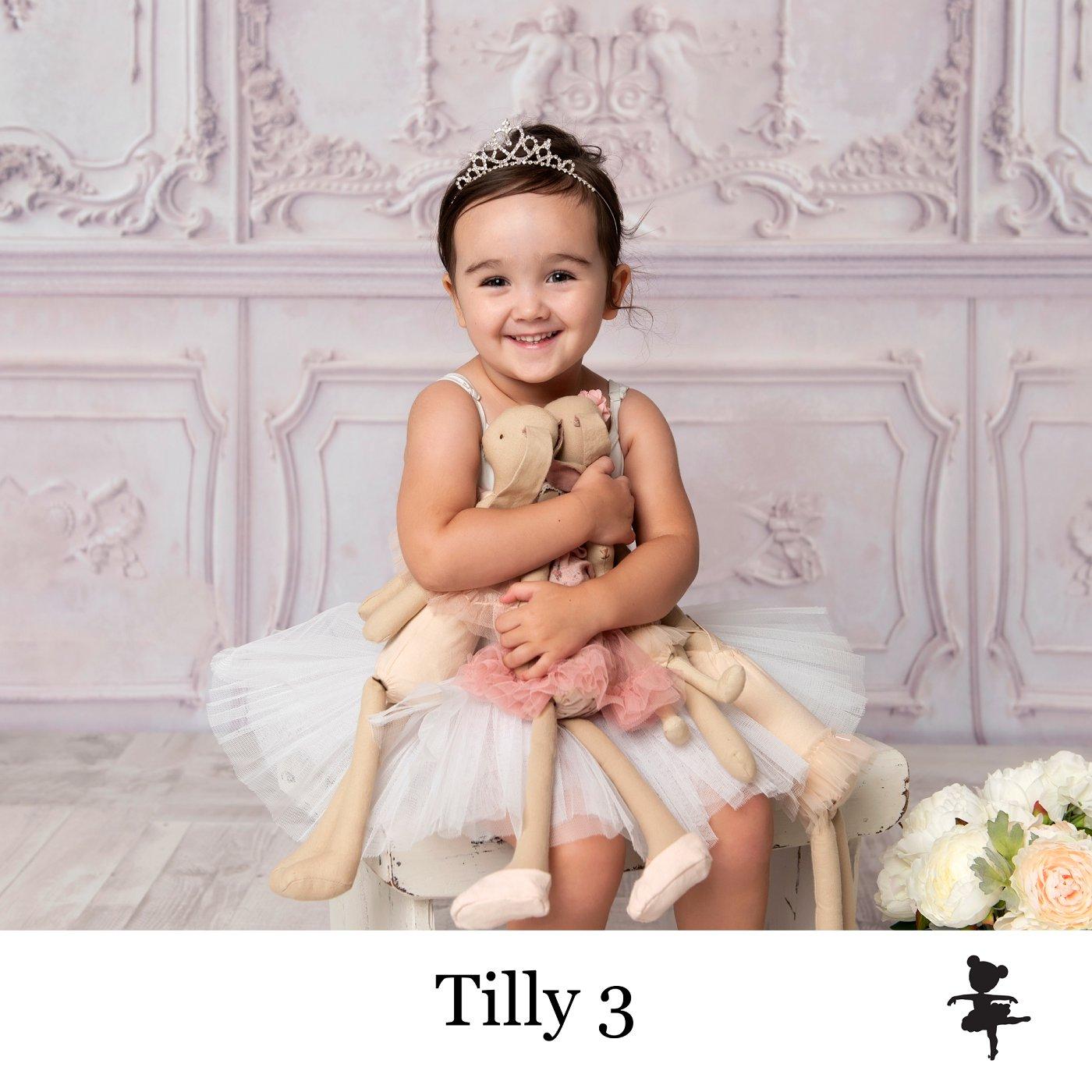 LB4919-Tilly3.jpg