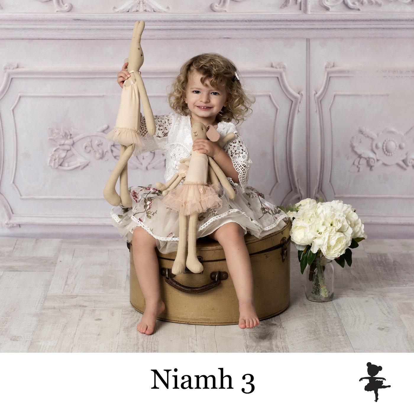 LB5619- Niamh 3.jpg
