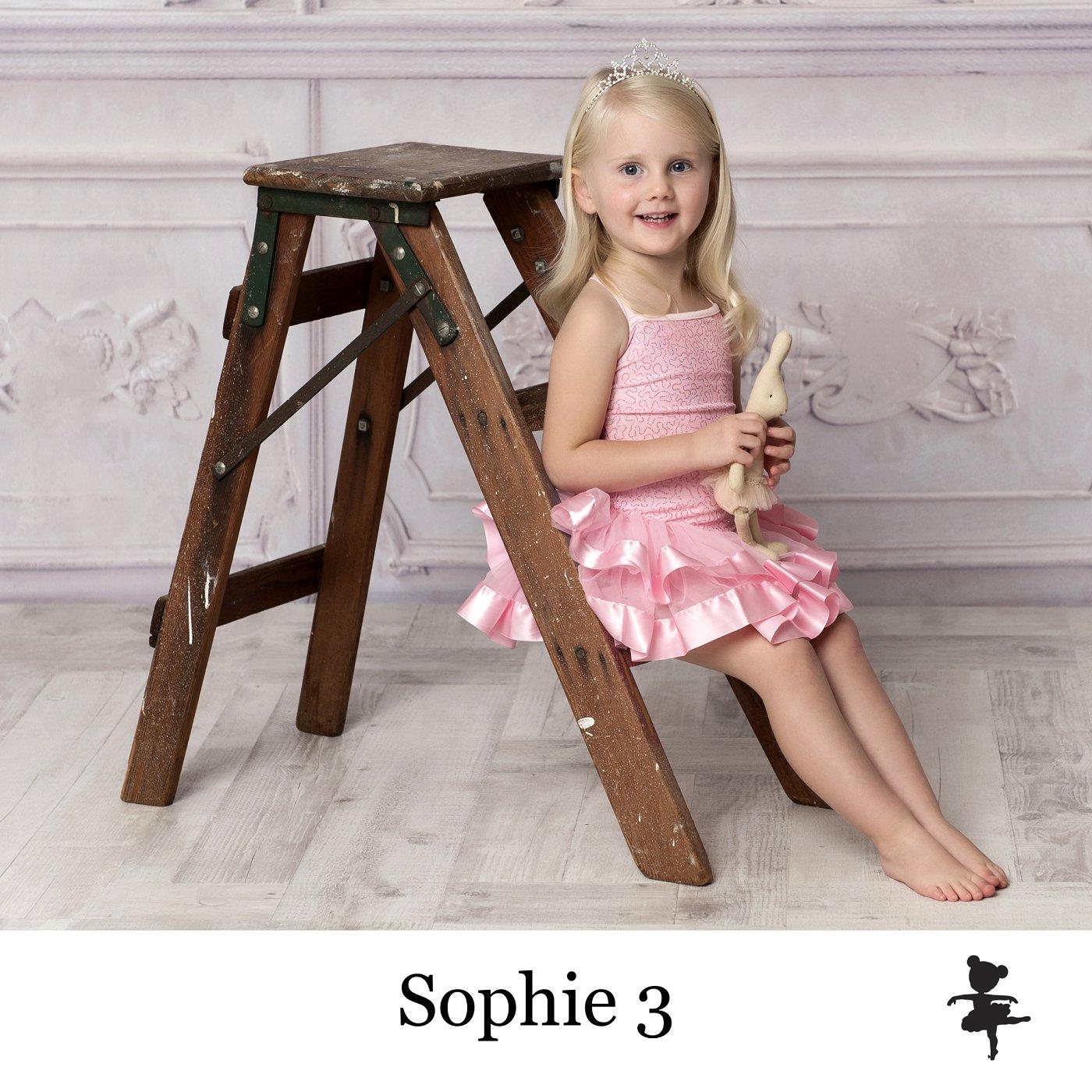 LB6219- Sophie 3.jpg