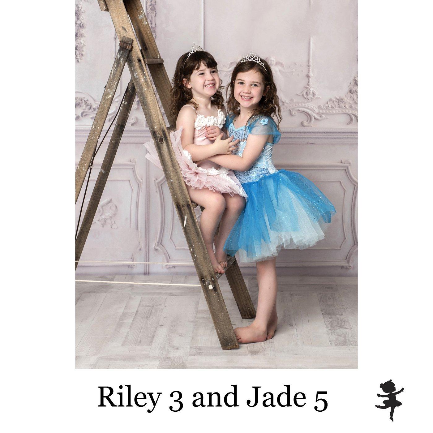 LB6719- Riley 3 and Jade 5.jpg