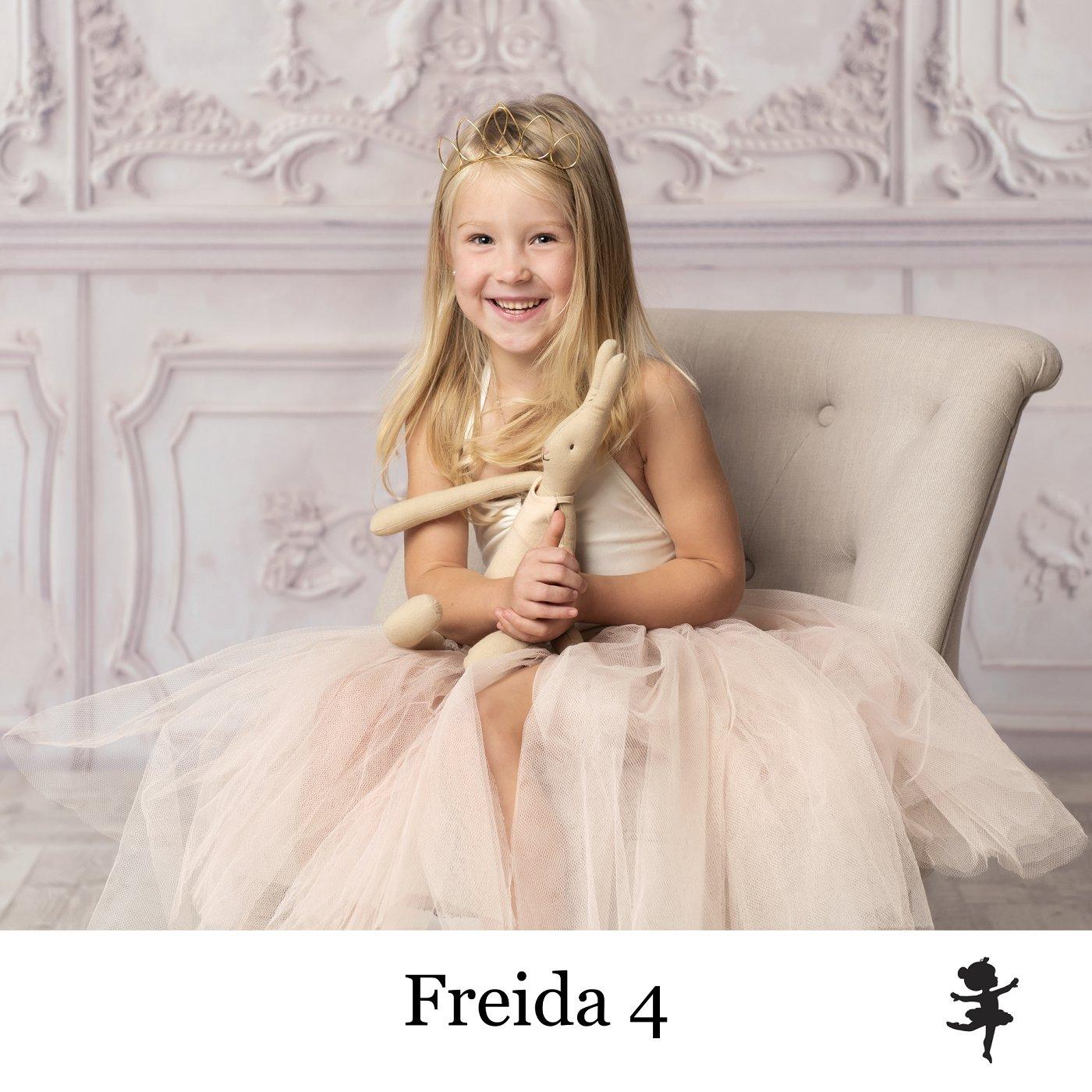 LB8819- Freida 4.jpg