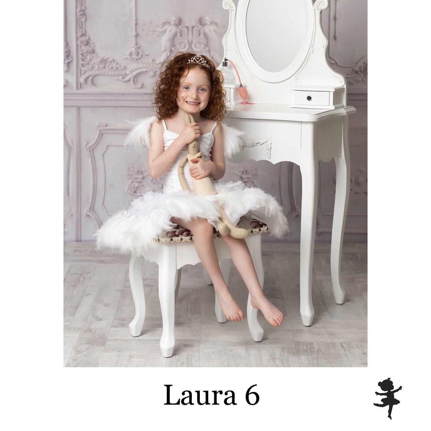 LB5219- Laura 6.jpg