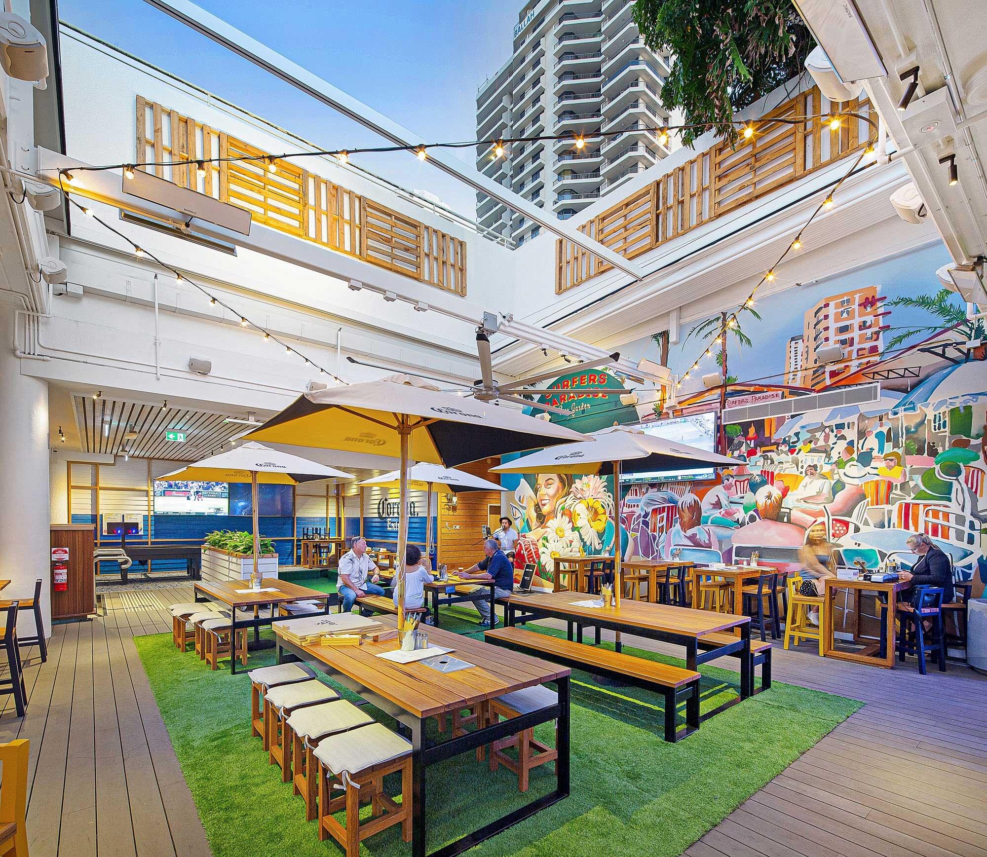 Surfers-Paradise-Beer-Garden-Pub-Architecture-1.jpg