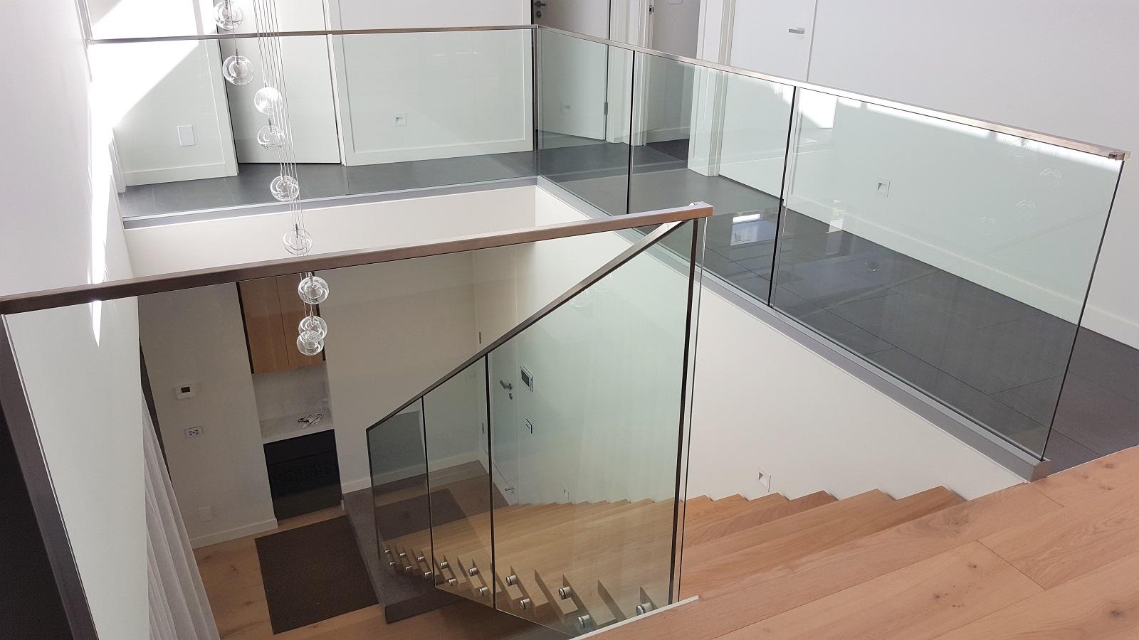 GA and CH series glass balustrade - Beaumaris 1600x900.jpg