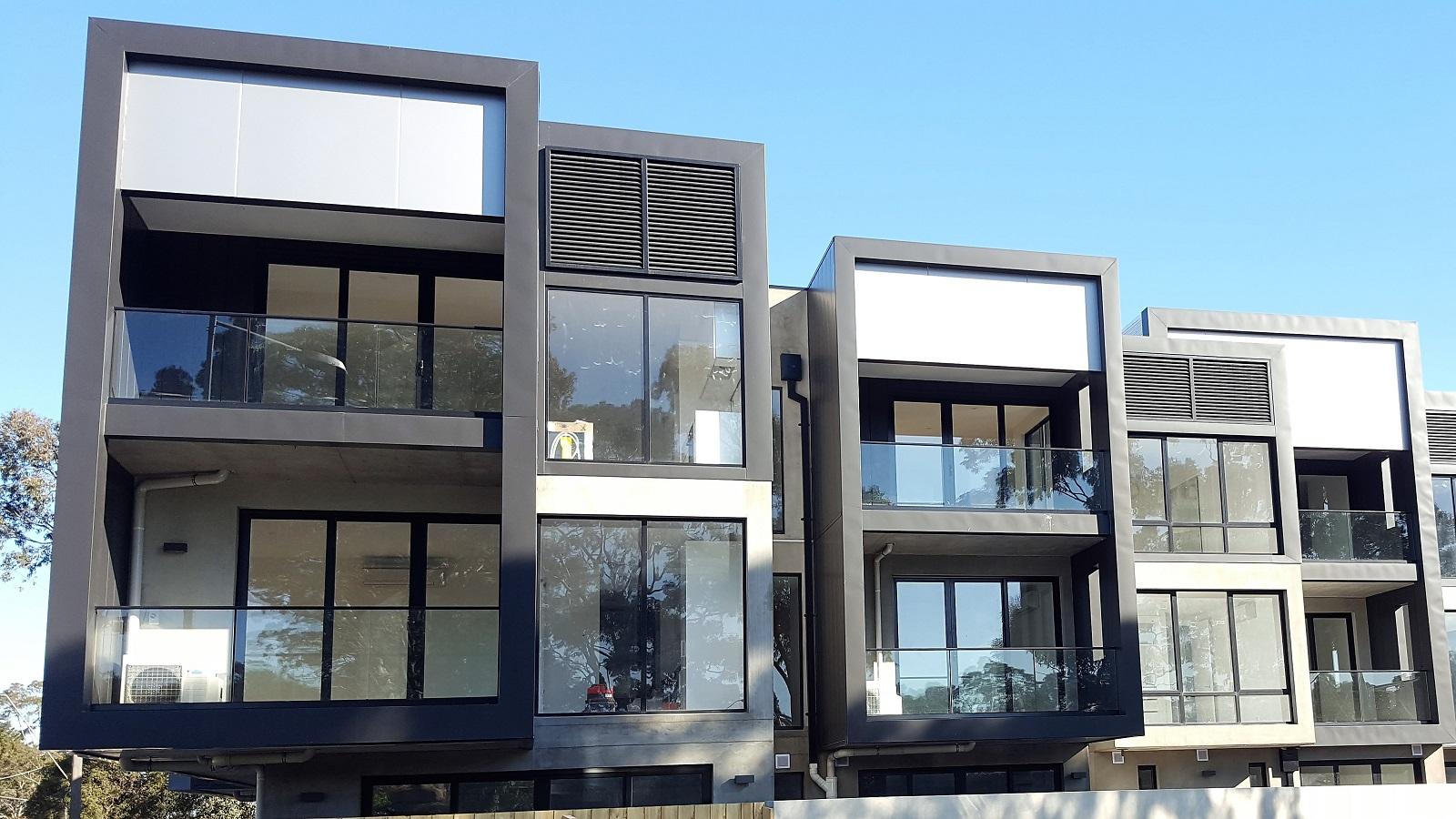 Frameless CH series glass balustrade - Kew 1.jpg
